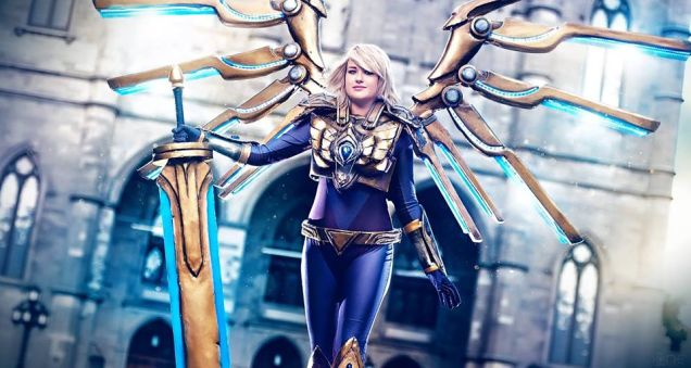 Complete Aether Wing Kayle cosplay with working wings