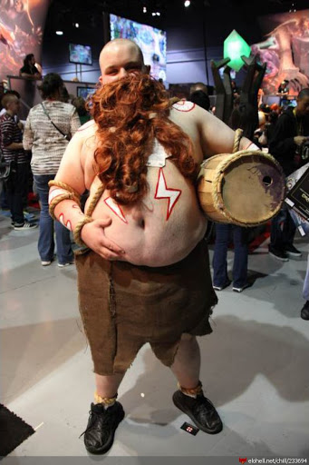 A hilarious gragas cosplay