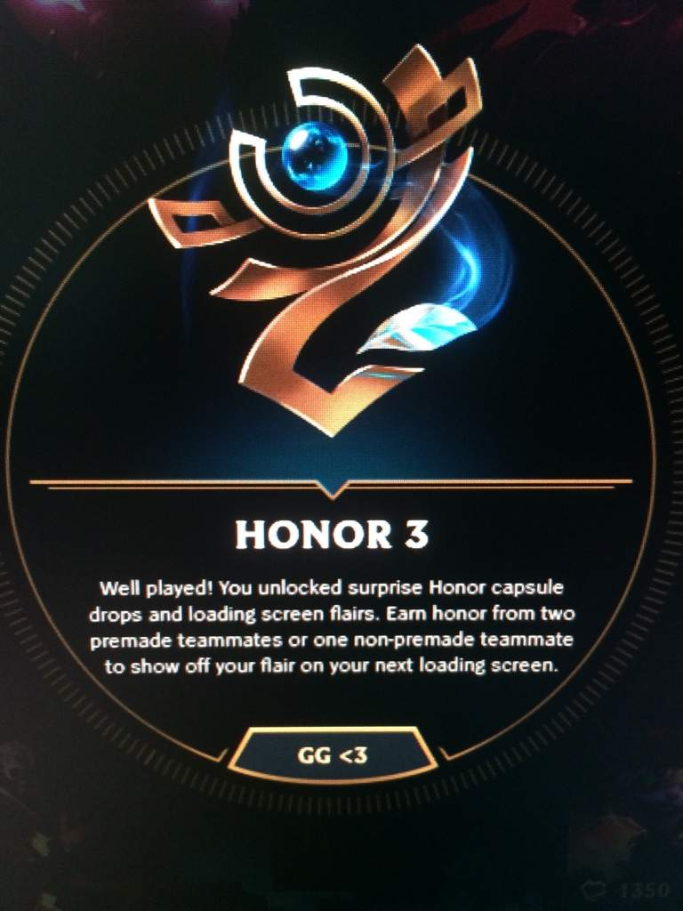 Screenshot about the Honor 3 notification from the League of Legends Main Client.