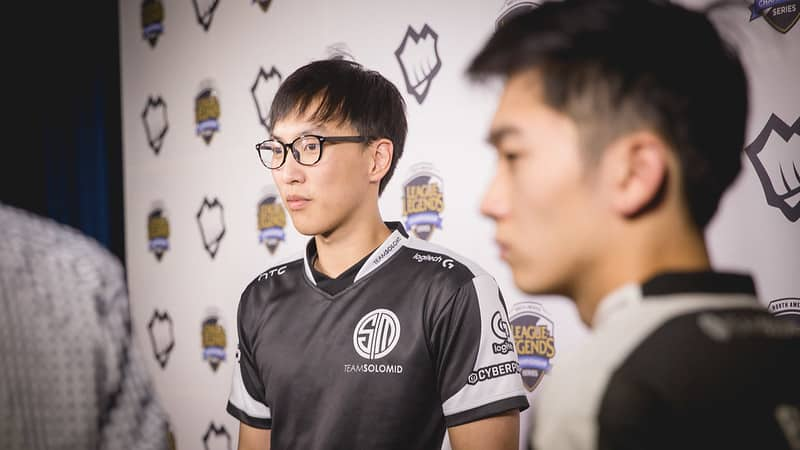 Doublelift and Biofrost in a photoshoot