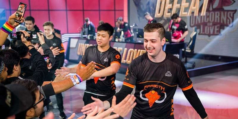 Mammoth Gaming Fan High Five after victory