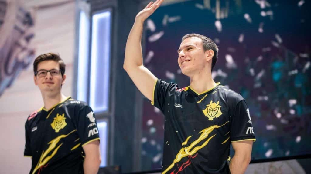 Perkz and Mikyx waving on stage