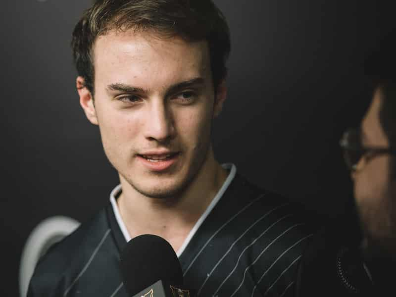 Perkz getting interviewed