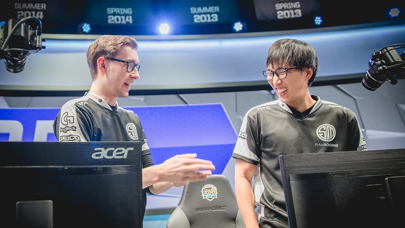Bjergsen and Doublelift talking post match as TSM members