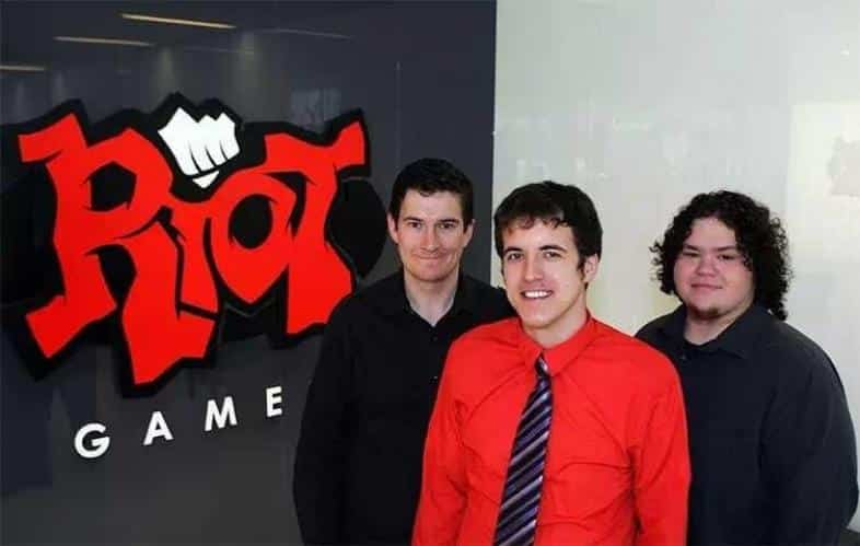 "Steve ""Guinsoo"" Feak inside the Riot Games HQ"