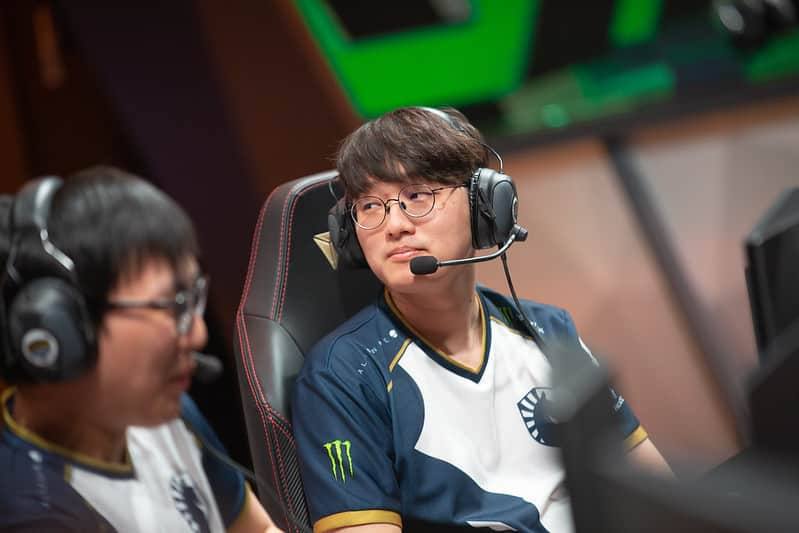 CoreJJ playing with Doublelift