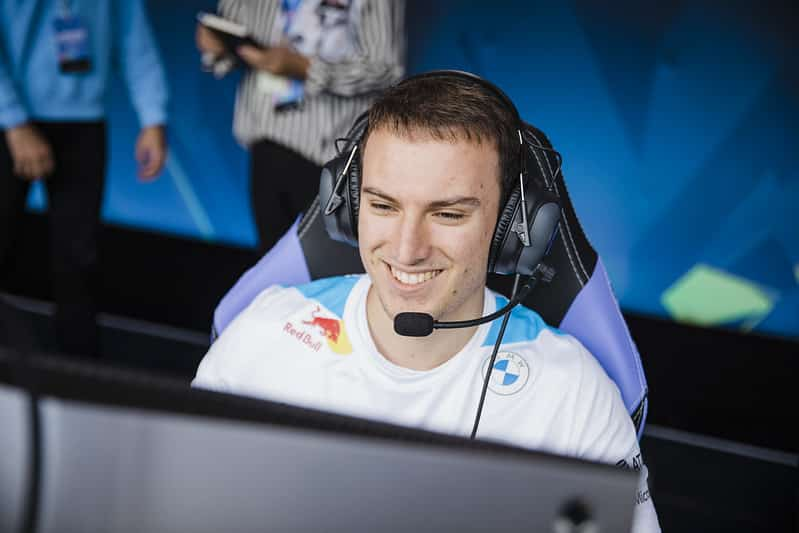Perkz in his Cloud9 2021 Jersey in game