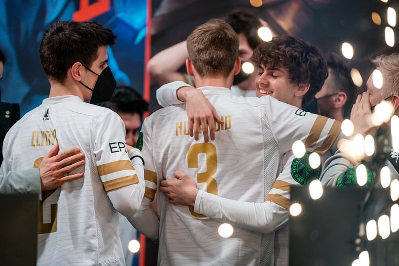Carzzy hugs Humanoid after MAD Lions wins LEC 2021 Spring Championships