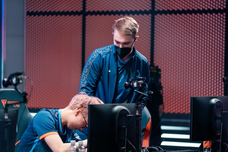Trymbi comforting Hans Sama after losing to MAD Lions