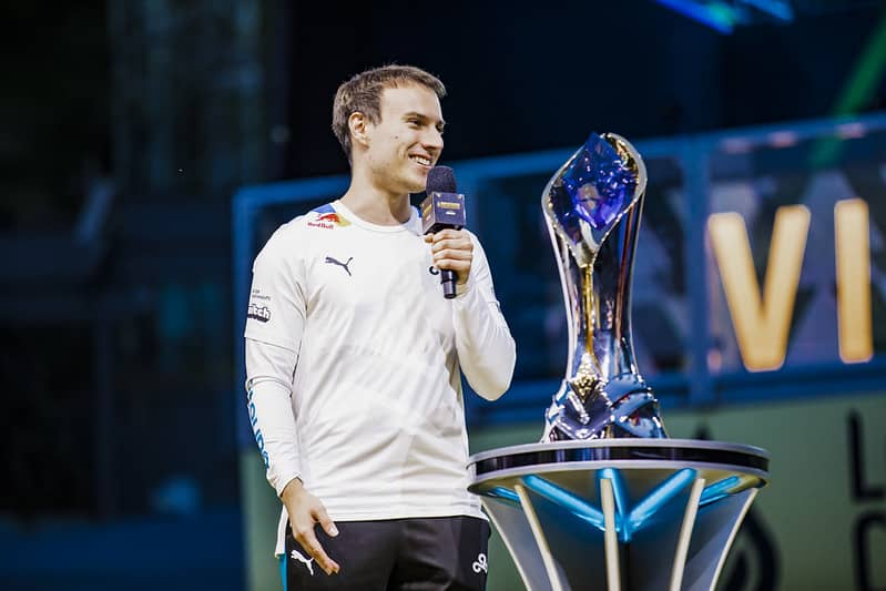Perkz standing beside the LCS Trophy