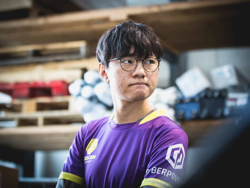 Madlife in his Golden Coin United uniform | Best Support Players of All-Time