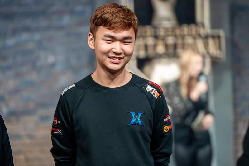 Gorilla smiling at the press | Best Support Players of All-Time