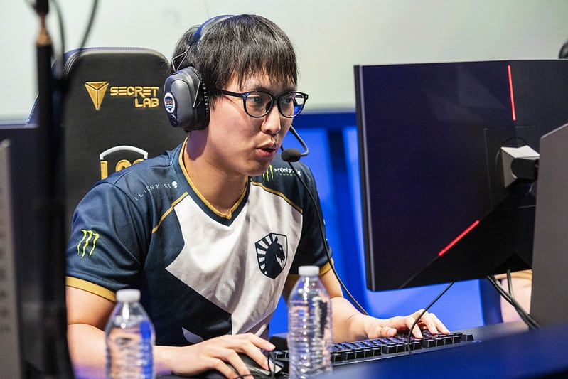 Doublelift focusing on the game