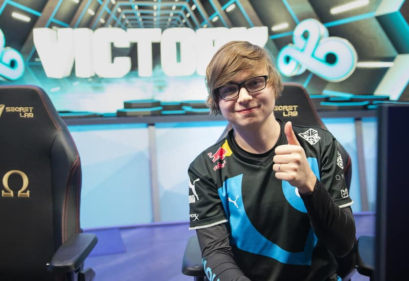 C9 Sneaky giving a thumbs up