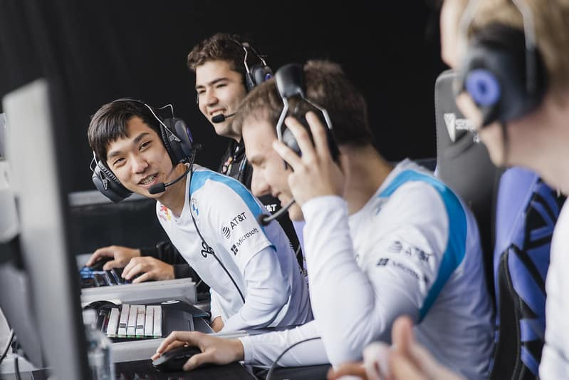 Cloud9 chatting while on stage | Western LoL Playoffs