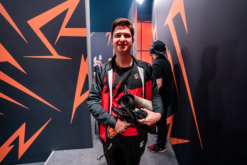 MSF Febiven walking towards the stage